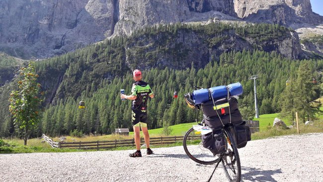 Kerékpárral a Dolomitokban